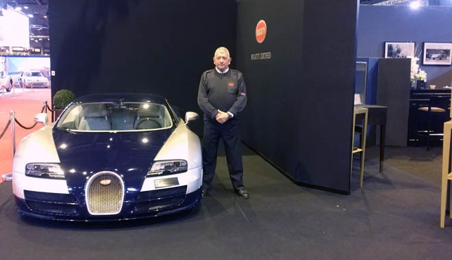 Securitas chez Bugatti au salon Retro Mobile